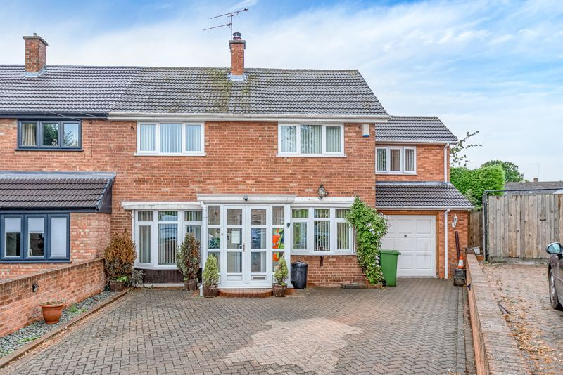 4 bed house for sale in Skiddaw Close  - Property Image 1