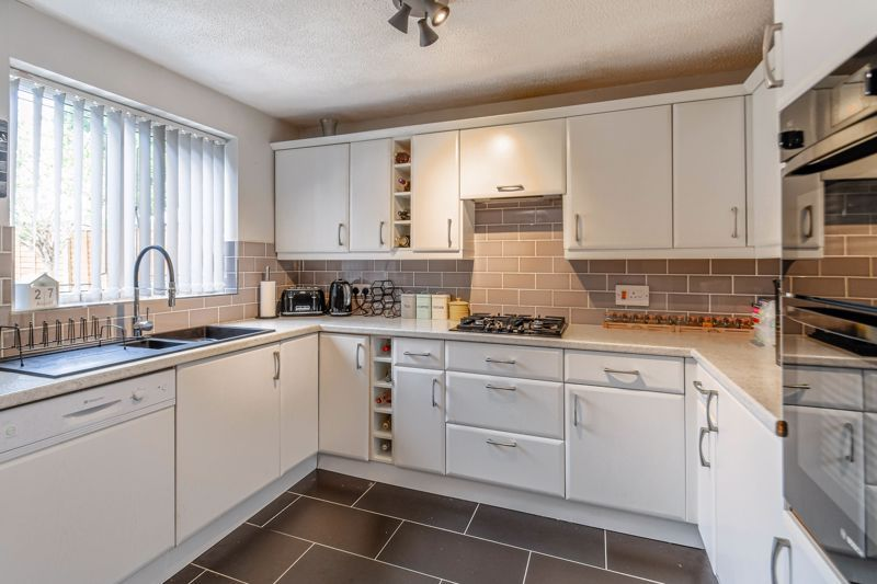 3 bed house for sale in Foxcote Close 14
