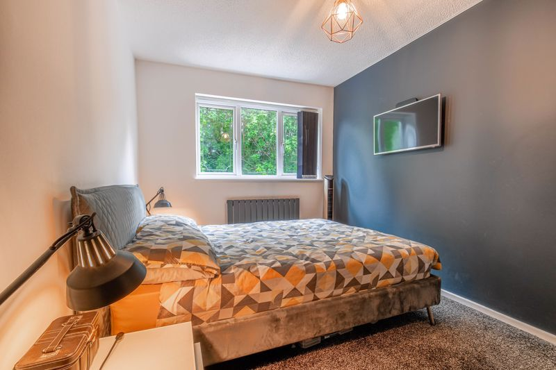 3 bed house for sale in Foxcote Close 16