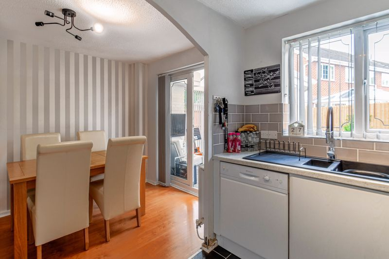 3 bed house for sale in Foxcote Close 3