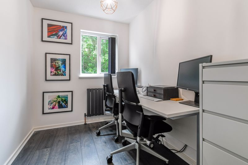 3 bed house for sale in Foxcote Close 9