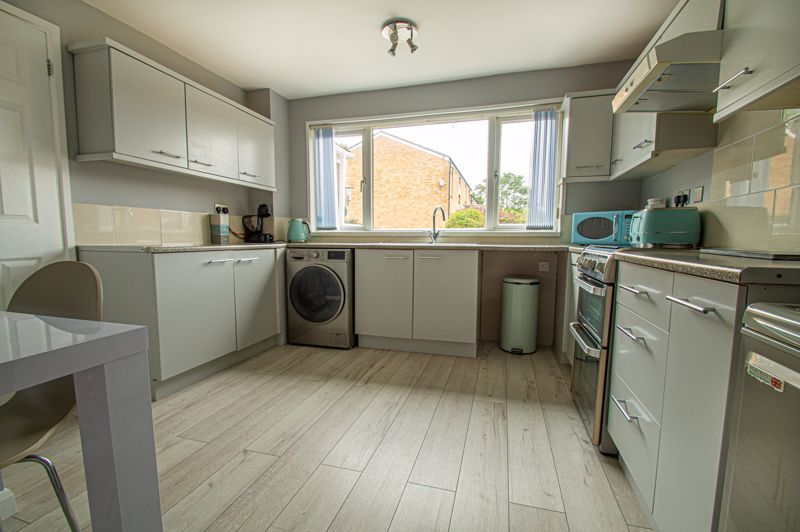 3 bed house for sale in Ashdown Close 4