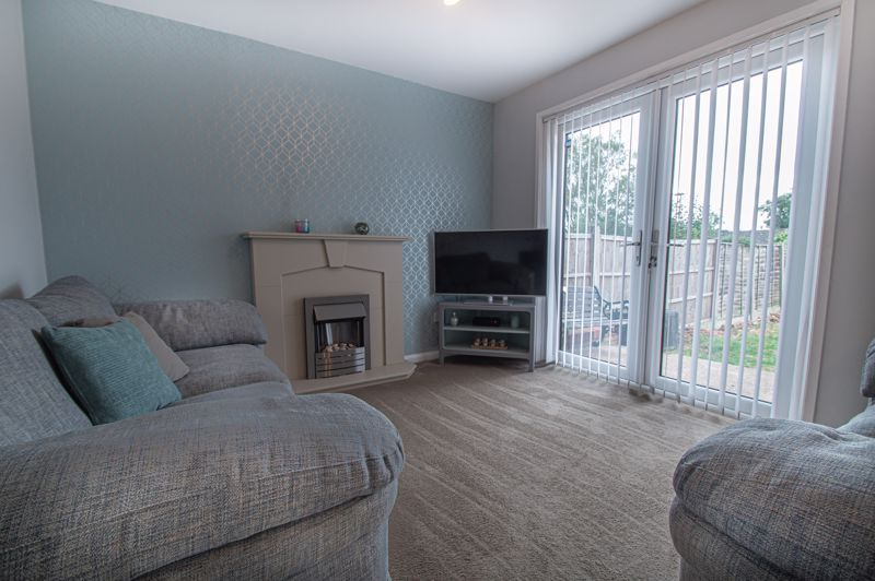 3 bed house for sale in Ashdown Close 6