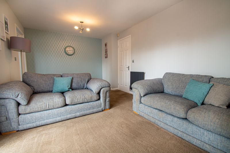 3 bed house for sale in Ashdown Close 7