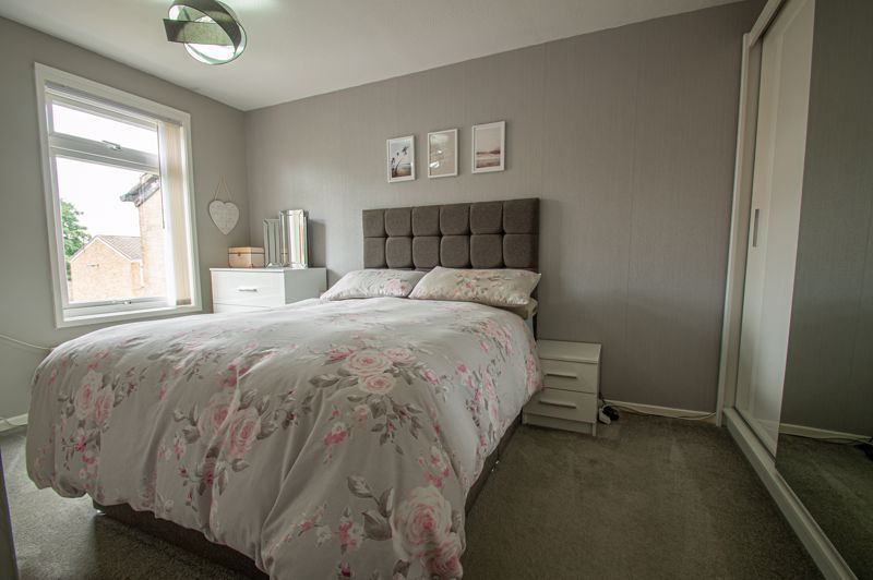 3 bed house for sale in Ashdown Close 9
