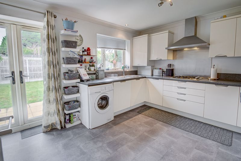 3 bed house for sale in Shrubbery Road 4