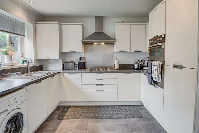 3 bed house for sale in Shrubbery Road 5