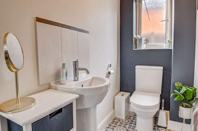 3 bed house for sale in Shrubbery Road 6