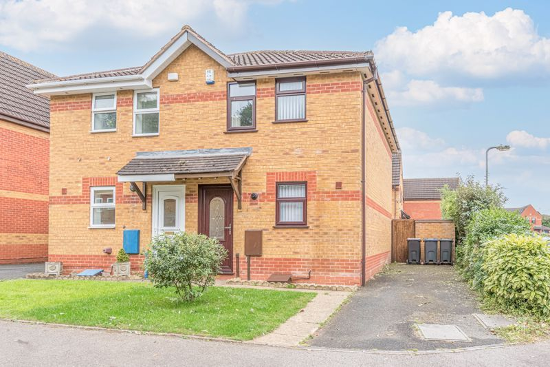2 bed house for sale in Knowle Close 1