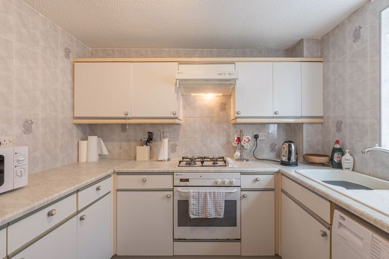 2 bed house for sale in Knowle Close 3