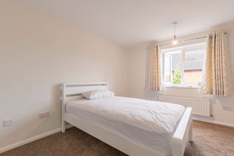 2 bed house for sale in Knowle Close 4
