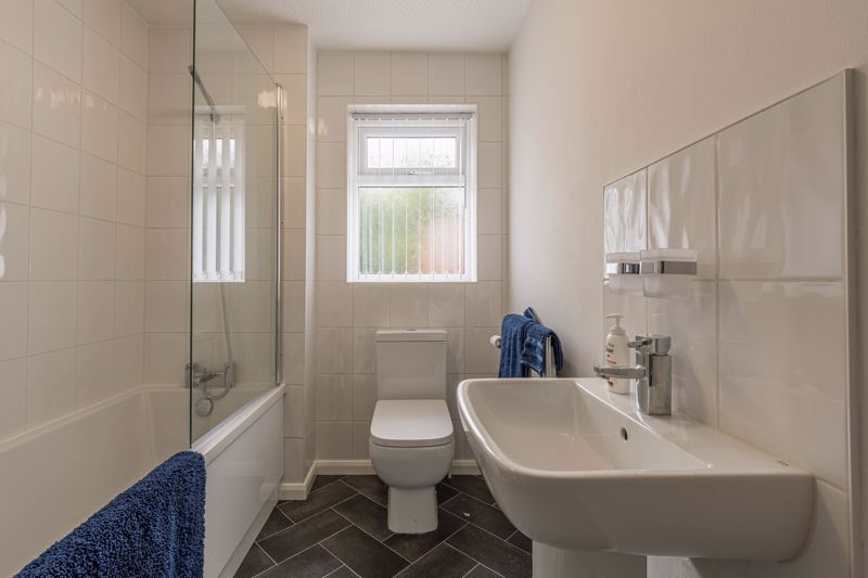 2 bed house for sale in Knowle Close 6