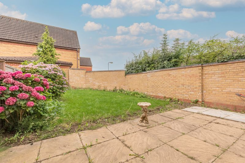 2 bed house for sale in Knowle Close 7