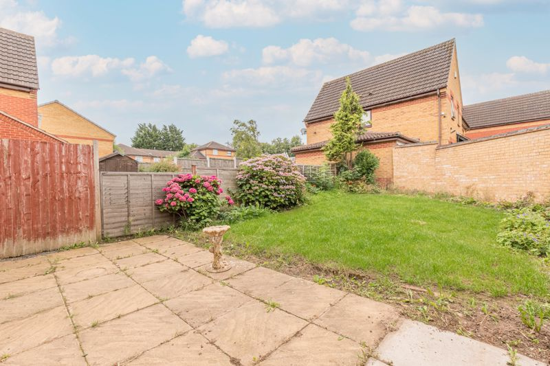 2 bed house for sale in Knowle Close 8