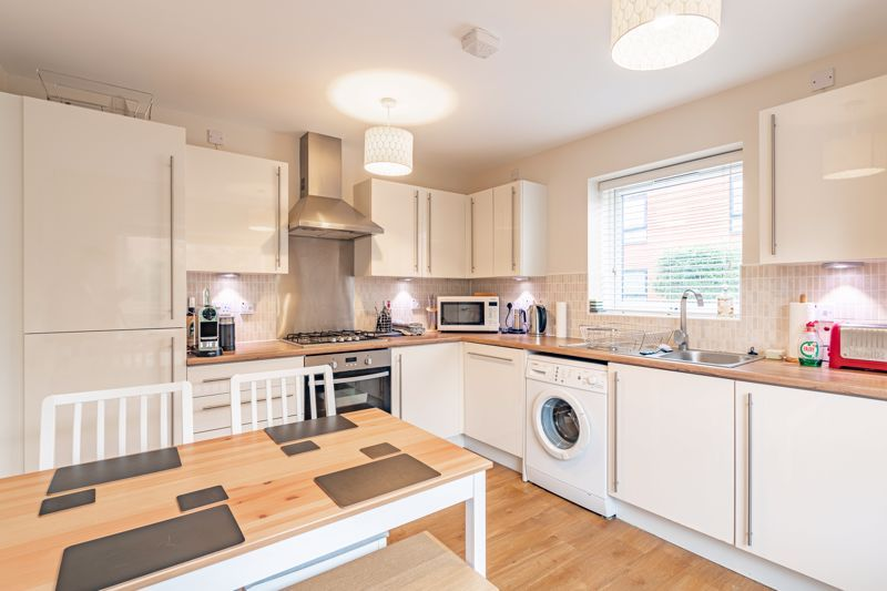 2 bed house for sale in Lower Beeches Road  - Property Image 5