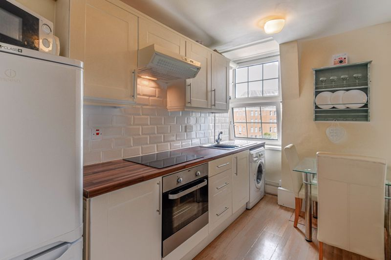 1 bed flat for sale in Calthorpe Road 3