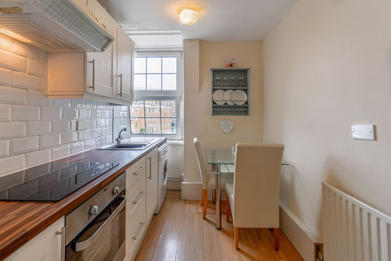 1 bed flat for sale in Calthorpe Road 4