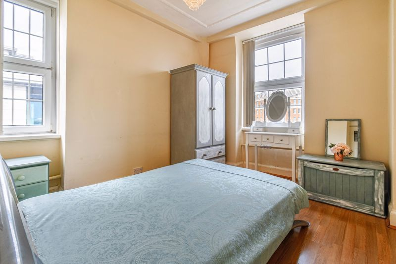 1 bed flat for sale in Calthorpe Road 8