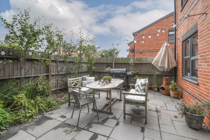 3 bed house for sale in Foregate Street 18