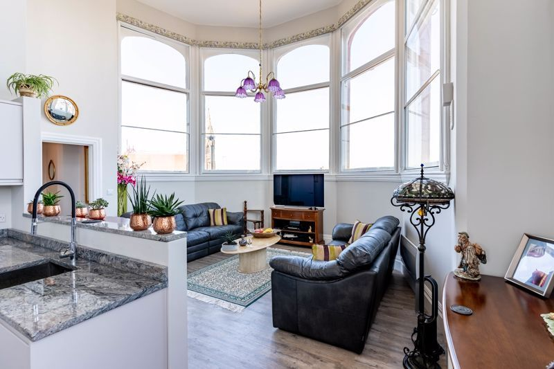 2 bed flat for sale in Hagley Road 2