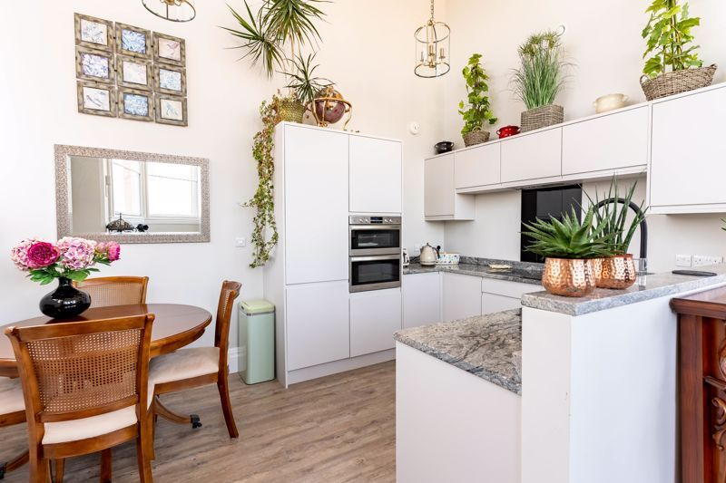 2 bed flat for sale in Hagley Road  - Property Image 18