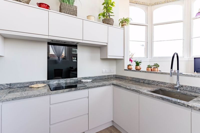 2 bed flat for sale in Hagley Road 4