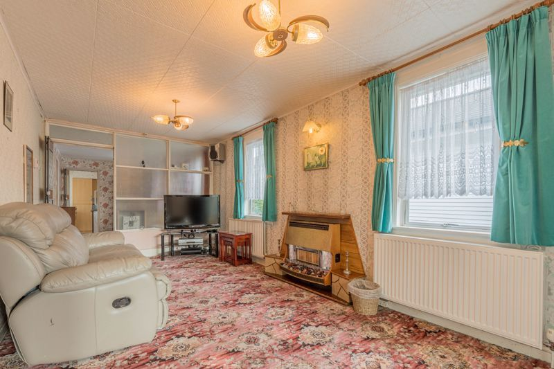 2 bed bungalow for sale in Coney Green Drive 3