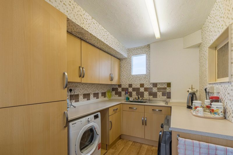 2 bed bungalow for sale in Coney Green Drive 9