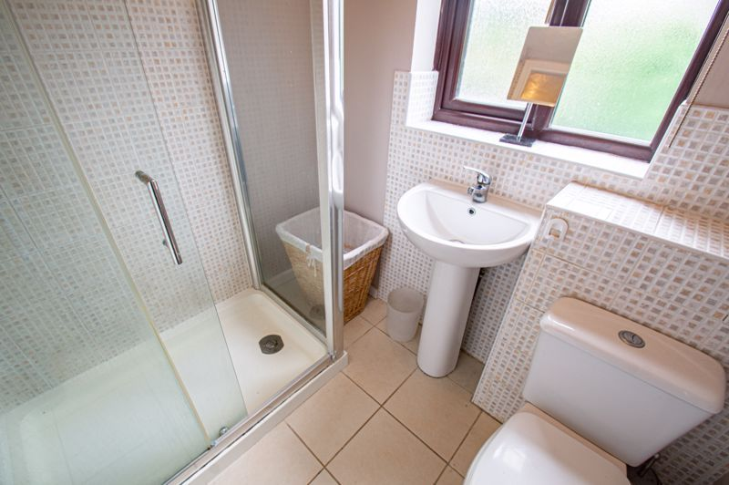 3 bed house for sale in Appletree Close 12