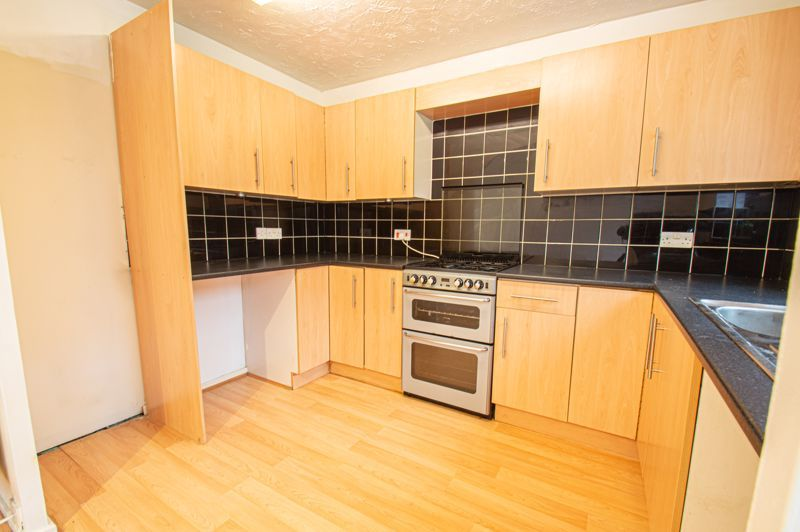 3 bed house for sale in Appletree Close 5