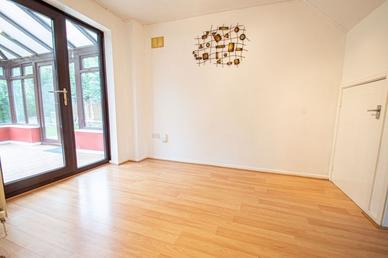3 bed house for sale in Appletree Close 6