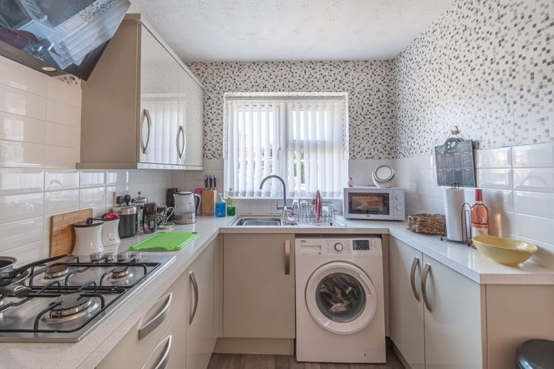2 bed bungalow for sale in Naseby Close 2