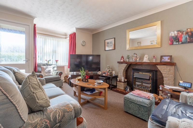 2 bed bungalow for sale in Naseby Close  - Property Image 4