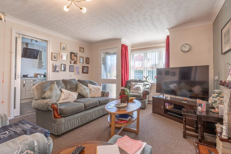 2 bed bungalow for sale in Naseby Close 5