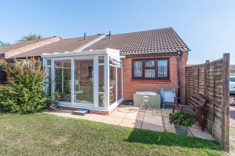 2 bed bungalow for sale in Naseby Close 10