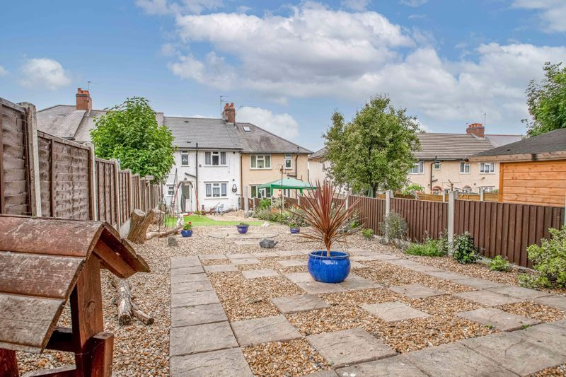 2 bed house for sale in Highfield Crescent 12