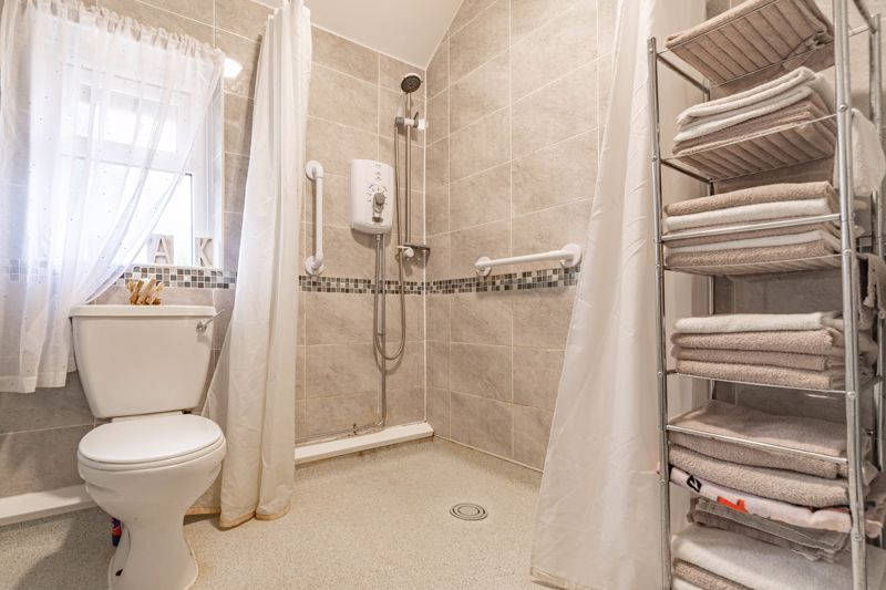 2 bed house for sale in Highfield Crescent 7