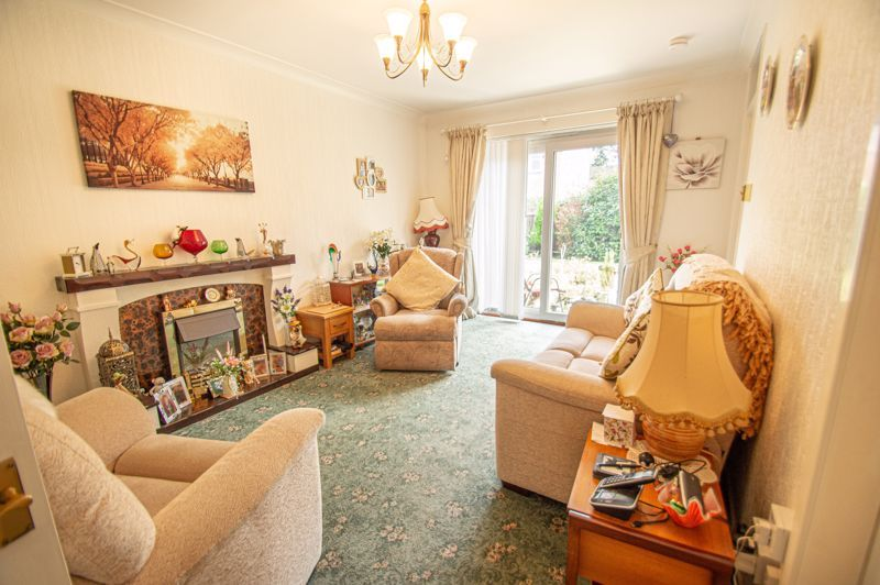 2 bed bungalow for sale in Stonehouse Close  - Property Image 2