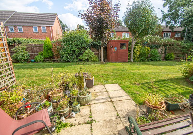 2 bed bungalow for sale in Stonehouse Close 12