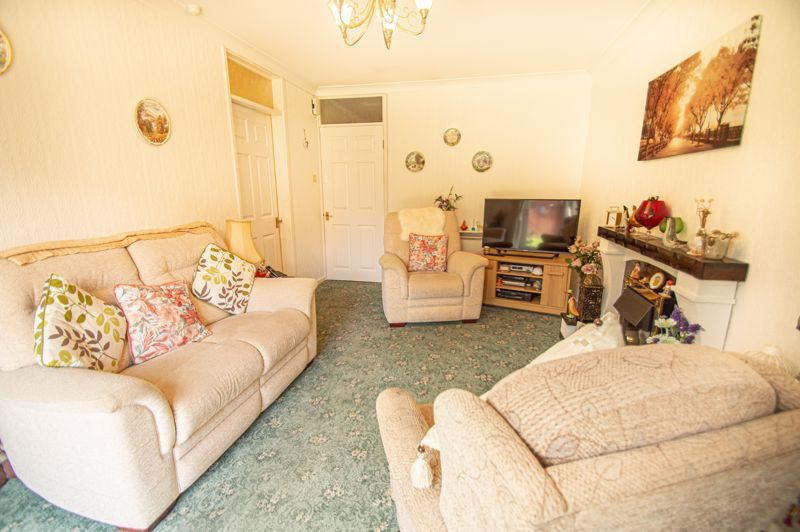 2 bed bungalow for sale in Stonehouse Close  - Property Image 3