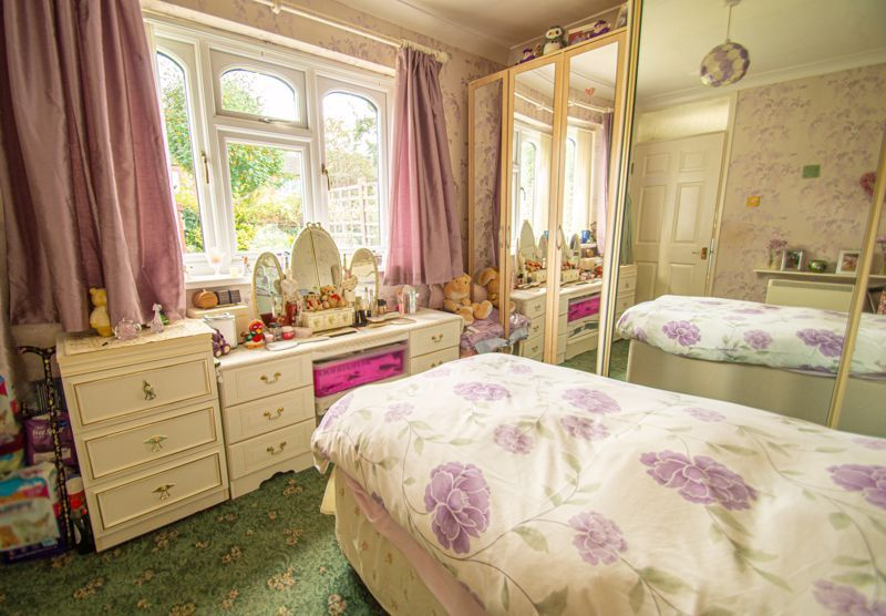 2 bed bungalow for sale in Stonehouse Close 7