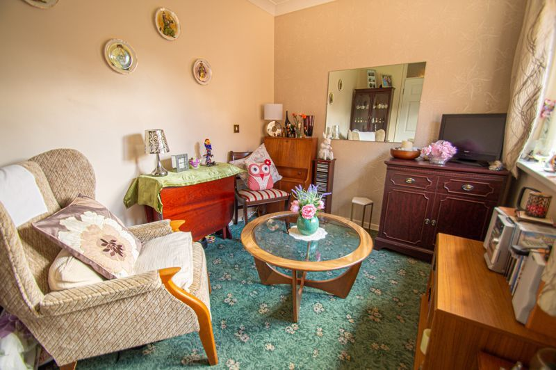 2 bed bungalow for sale in Stonehouse Close 8