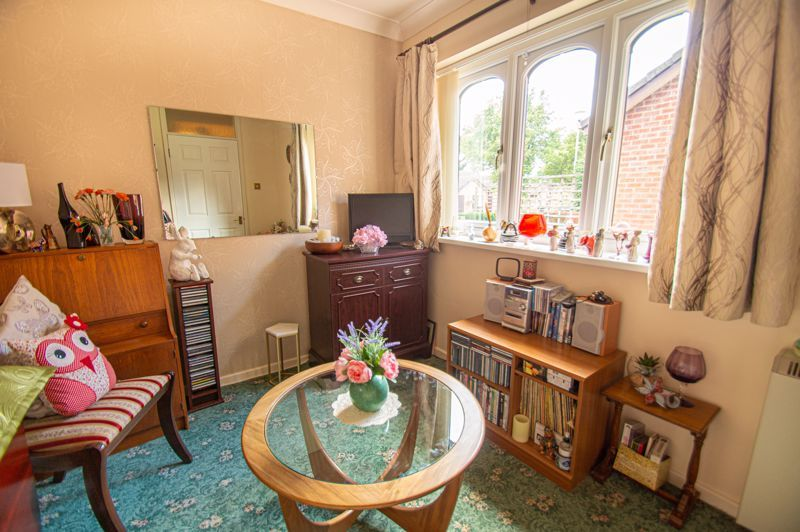 2 bed bungalow for sale in Stonehouse Close 9