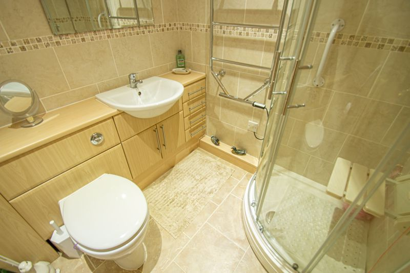 2 bed bungalow for sale in Stonehouse Close 10