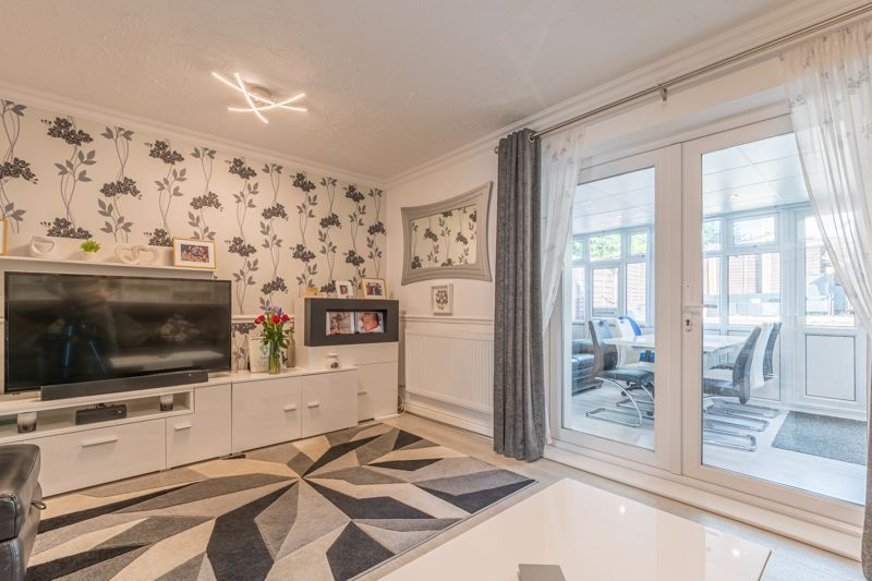 3 bed house for sale in Fountain Close 2