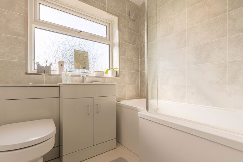 3 bed house for sale in Fountain Close 12