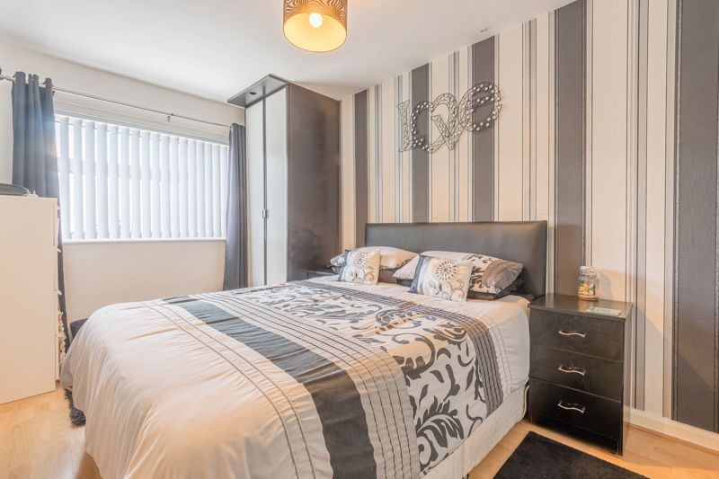 3 bed house for sale in Fountain Close 8