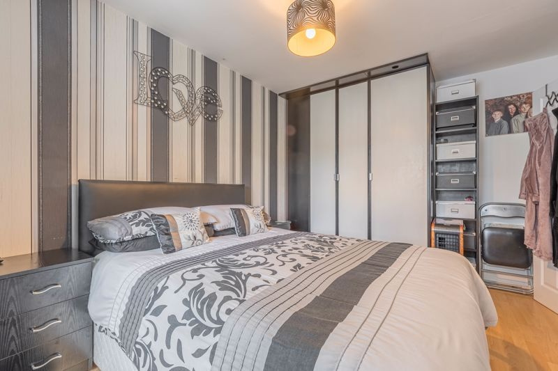 3 bed house for sale in Fountain Close 9
