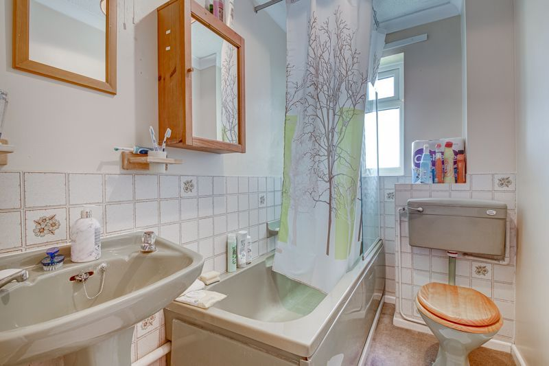1 bed house for sale in Barley Croft  - Property Image 5
