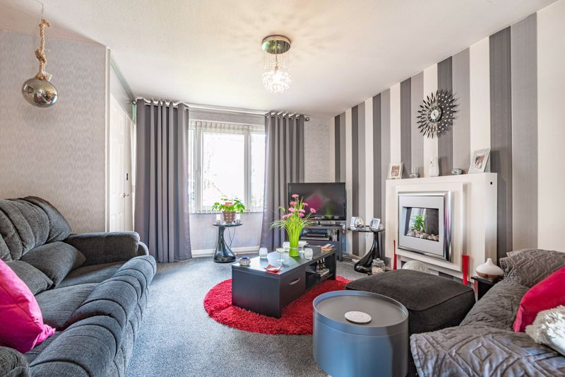 3 bed house for sale in Aire Croft  - Property Image 2